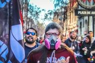 Manifestante con mascarilla