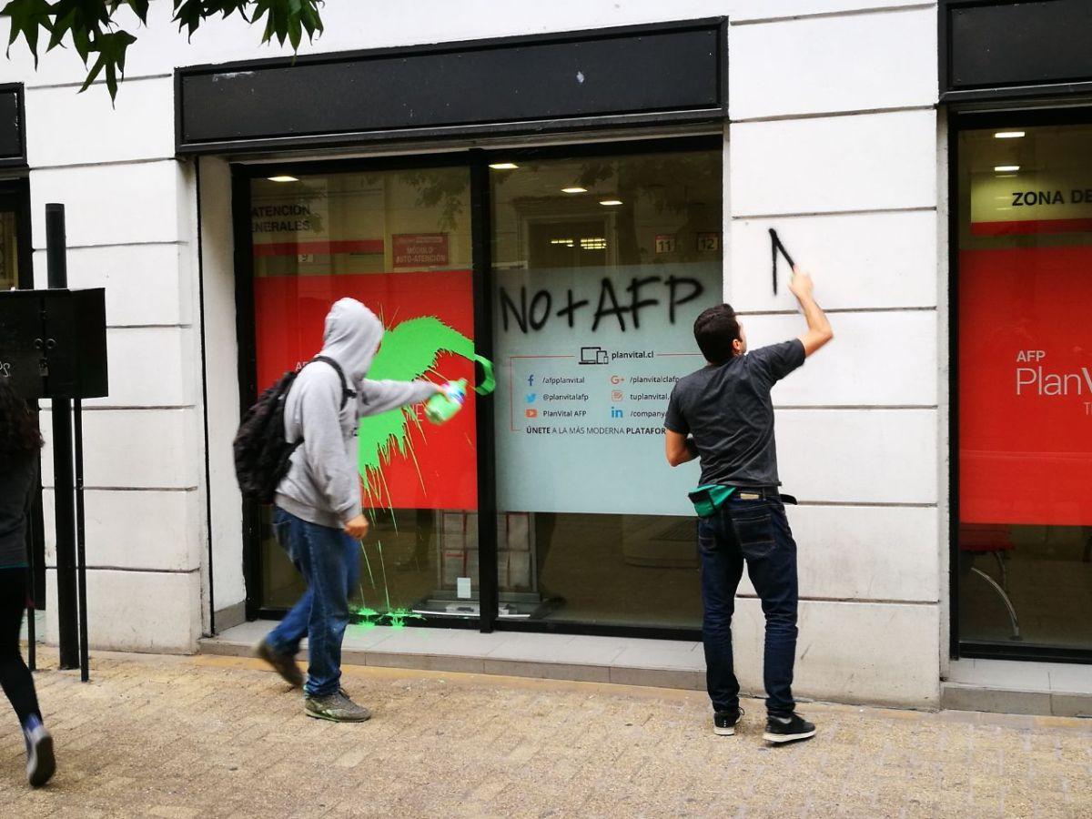 FTS conmemora dos años de lucha, Atacando sucursales de AFP en conjunto con la JRP3