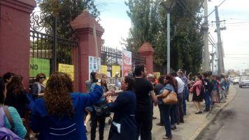 Protesta a las afueras de la municipalidad 2