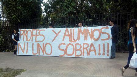 Protesta a las afueras de la municipalidad 3
