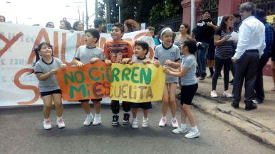 Protesta a las afueras de la municipalidad 8