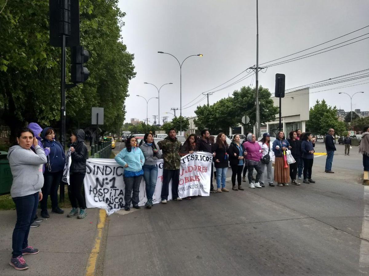 Barricadas y acciones directas de masas en solidaridad a la Huelga del Sindicato HCS en Concepción