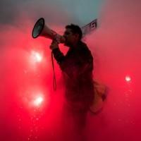 [Repost] Francia en caos: la huelga no cede, hay marchas en todo el país y choques con grupos ecologistas
