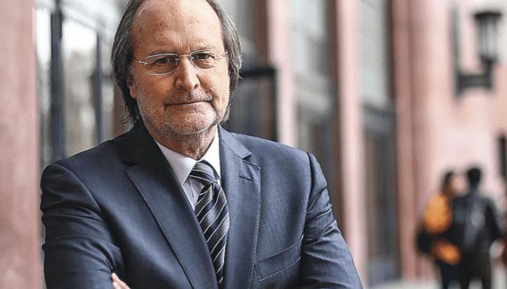 Renuncia Decano de la Facultad de Derecho de la Universidad de Chile